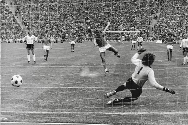 Johan Neeskens Penalty 1974 World Cup Final